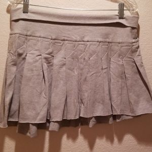 BEBE PLEATED SKIRT